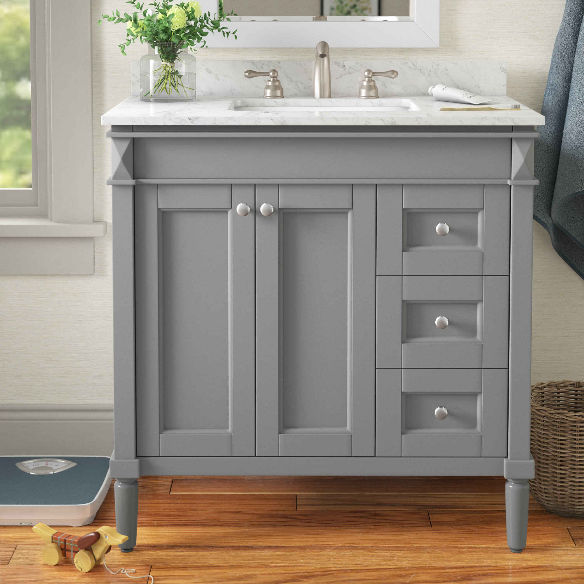 Traditional Style sink vanity