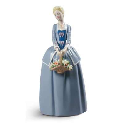Garden Blossoms Woman Figurine Lladro -  01009180