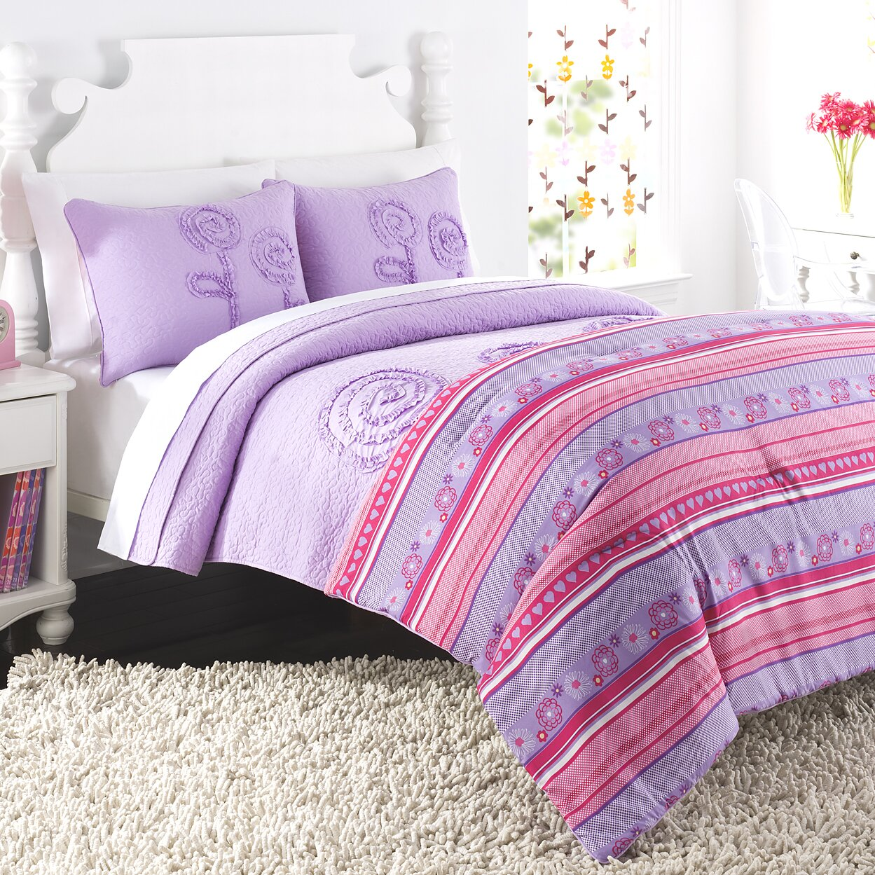 Bed sheet set with quilt - Rachel Reversible Quilt Set