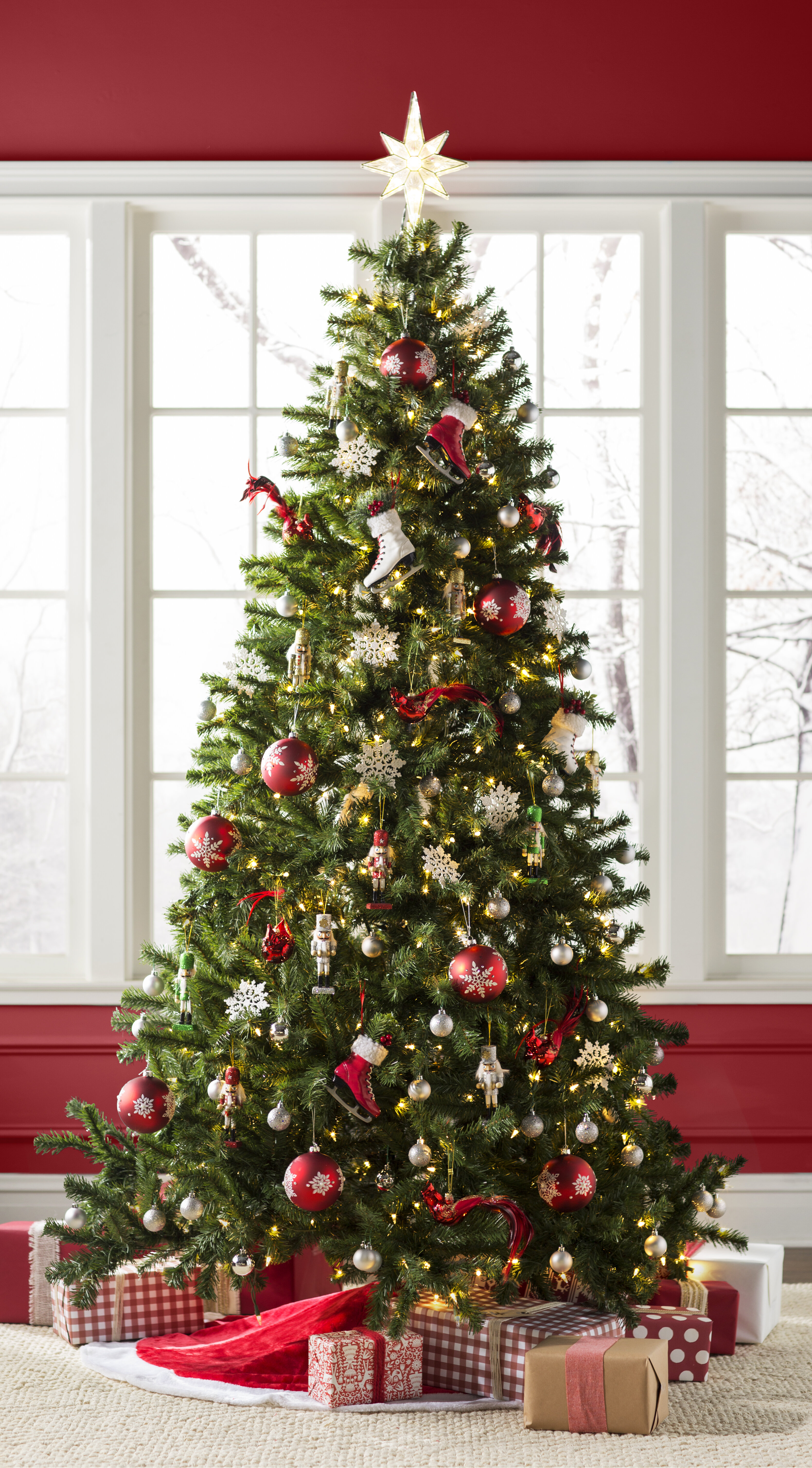 Norwood Fir Green Spruce Artificial Christmas Tree with Clear White Lights