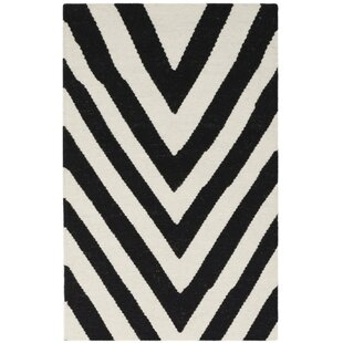 Dhurries Wool Hand-Woven Black/Ivory Area Rug by Safavieh