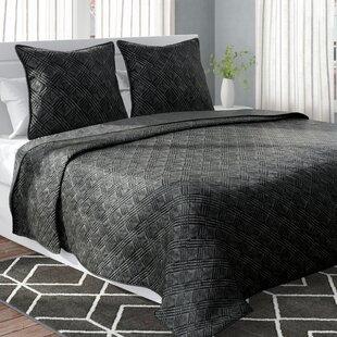 Belton Velvet Quilt Set
