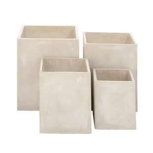 Cole & Grey 4-Piece FiberClay Pot Planter Set