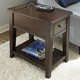 Darby Home Co Mccann Chairside Table