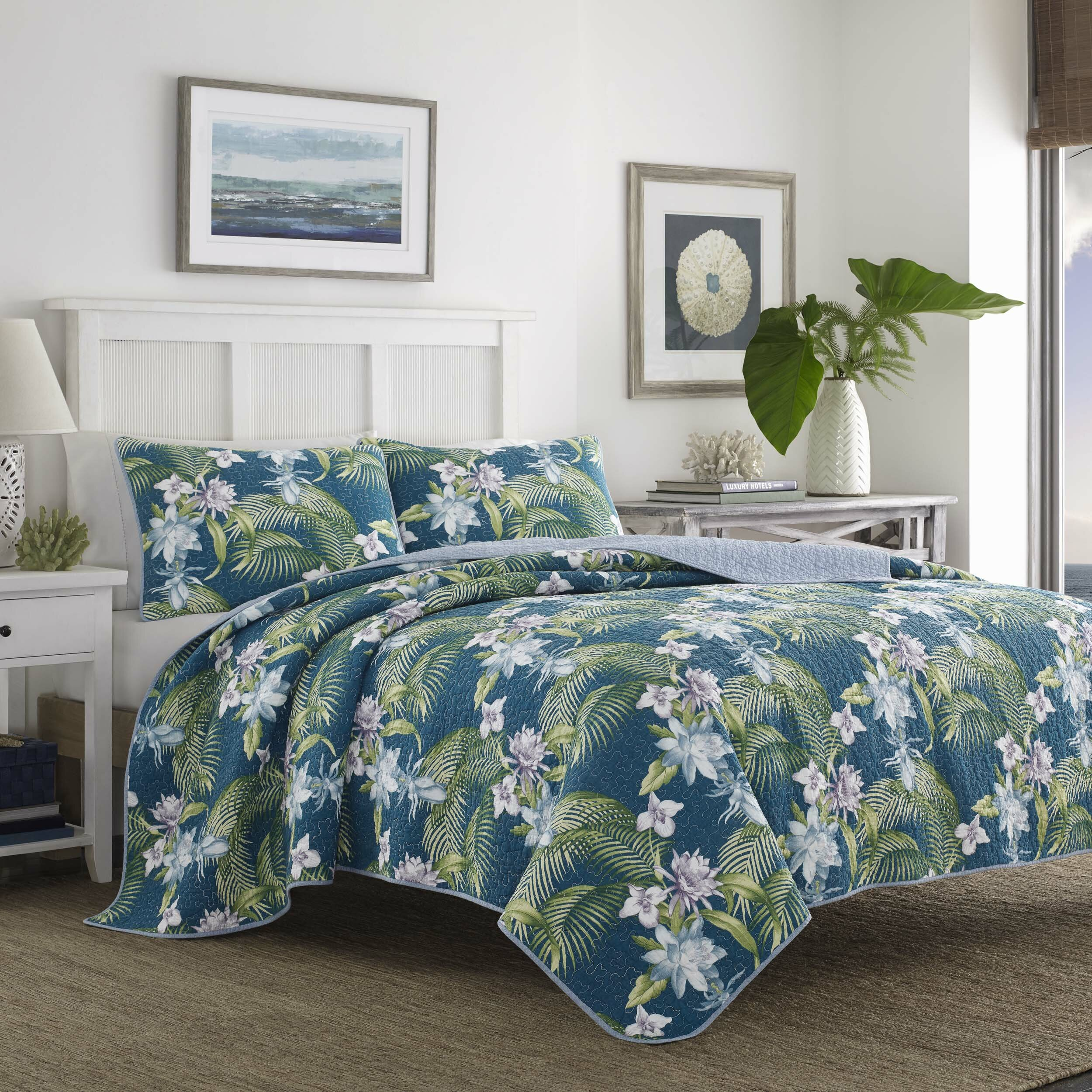 Tommy bahama bedding southern breeze reversible quilt set for Bahama towel chaise cover