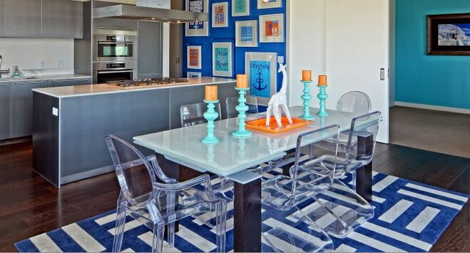 Gentil Decorating With Acrylic Furniture