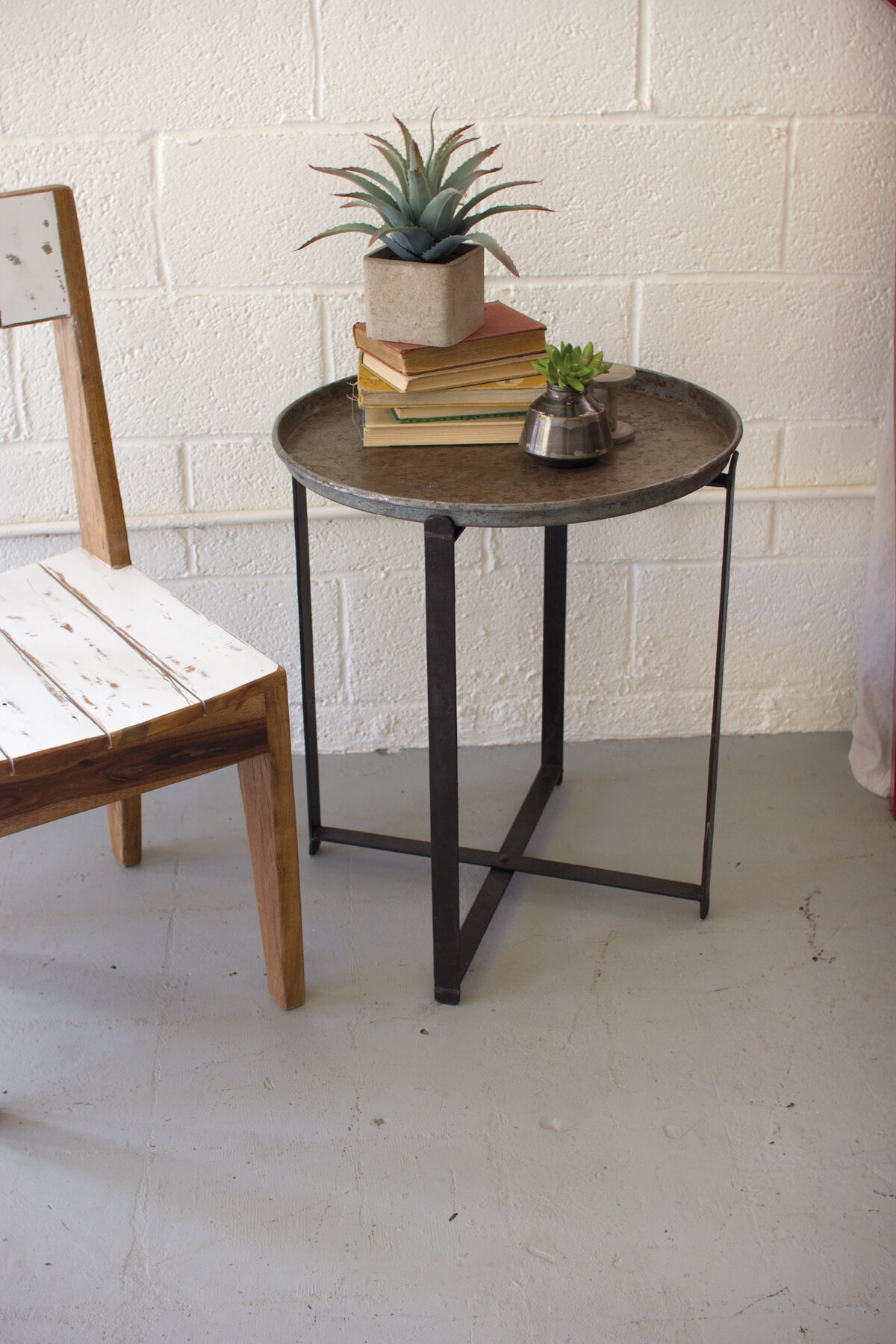 Amazing Ciara Recycled Round Metal Tray Table Home Remodeling Inspirations Cosmcuboardxyz