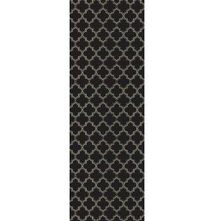 Fischer Quaterfoil Design Black/White Indoor/Outdoor Area Rug
