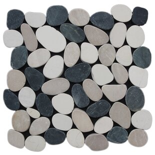 Random Size Natural Stone Mosaic Tile in White/Black