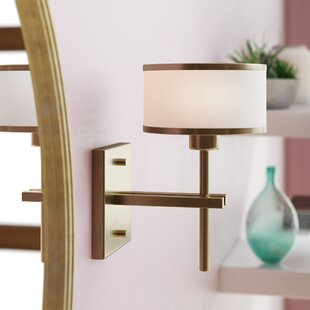 Brigman Traditional 1-Light Bath Sconce by Wrought Studio