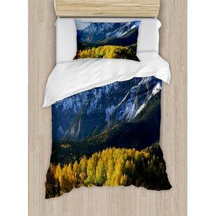 Americana Landscape Snow Village Mountain Retreat Colorado Park Pine Region Peak Duvet Set by Ambesonne