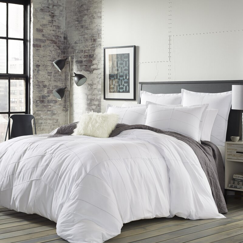 Mcandrew Comforter Set