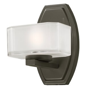 Charlton Home Wellsboro 1-Light Bath Sconce