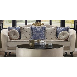 Quane Sofa w/7 Pillows