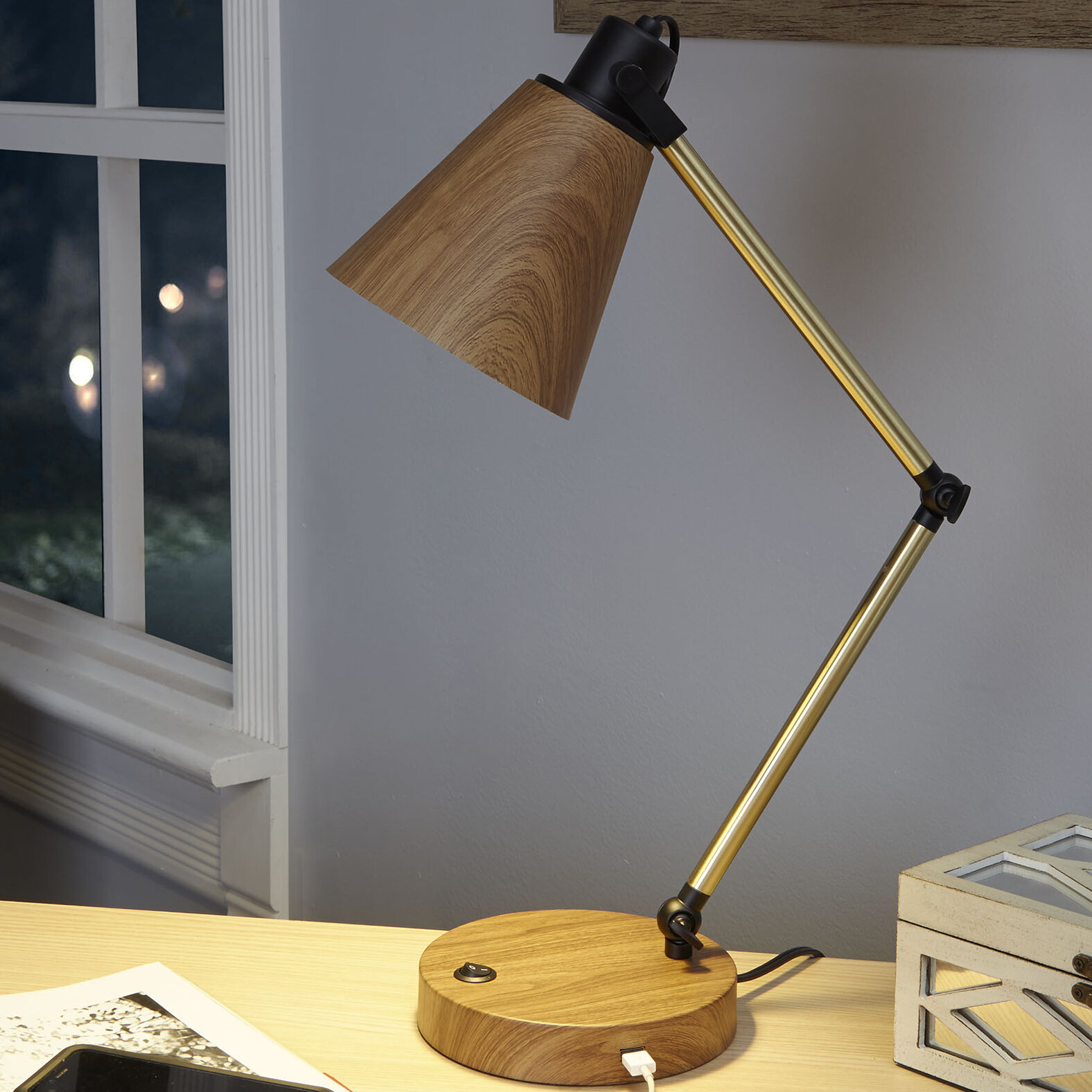 desk image intended nightstand table built lamps in popular usbrts and size for of large port with lamp clear outlets glass accent deskwer ports luxury full usb nicest tall charging uncategorized inspirations