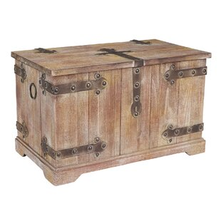Attirant Large Victorian Storage Trunk