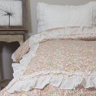 Amity Home Addie Floral Ivory Quilt