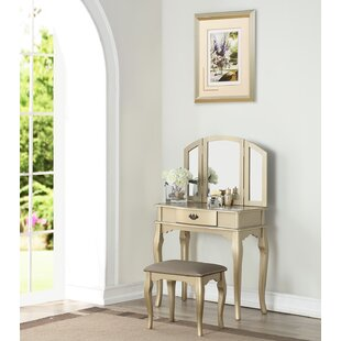 Kensett Vanity Set with Mirror by House of Hampton