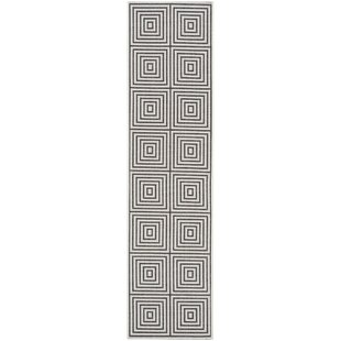 Headrick Gray Indoor/Outdoor Area Rug