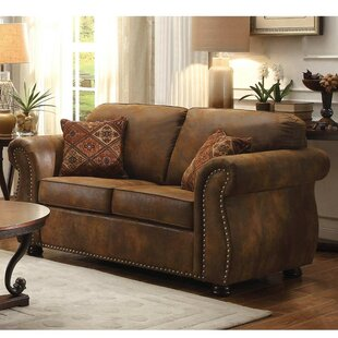 Horwich Traditional Loveseat