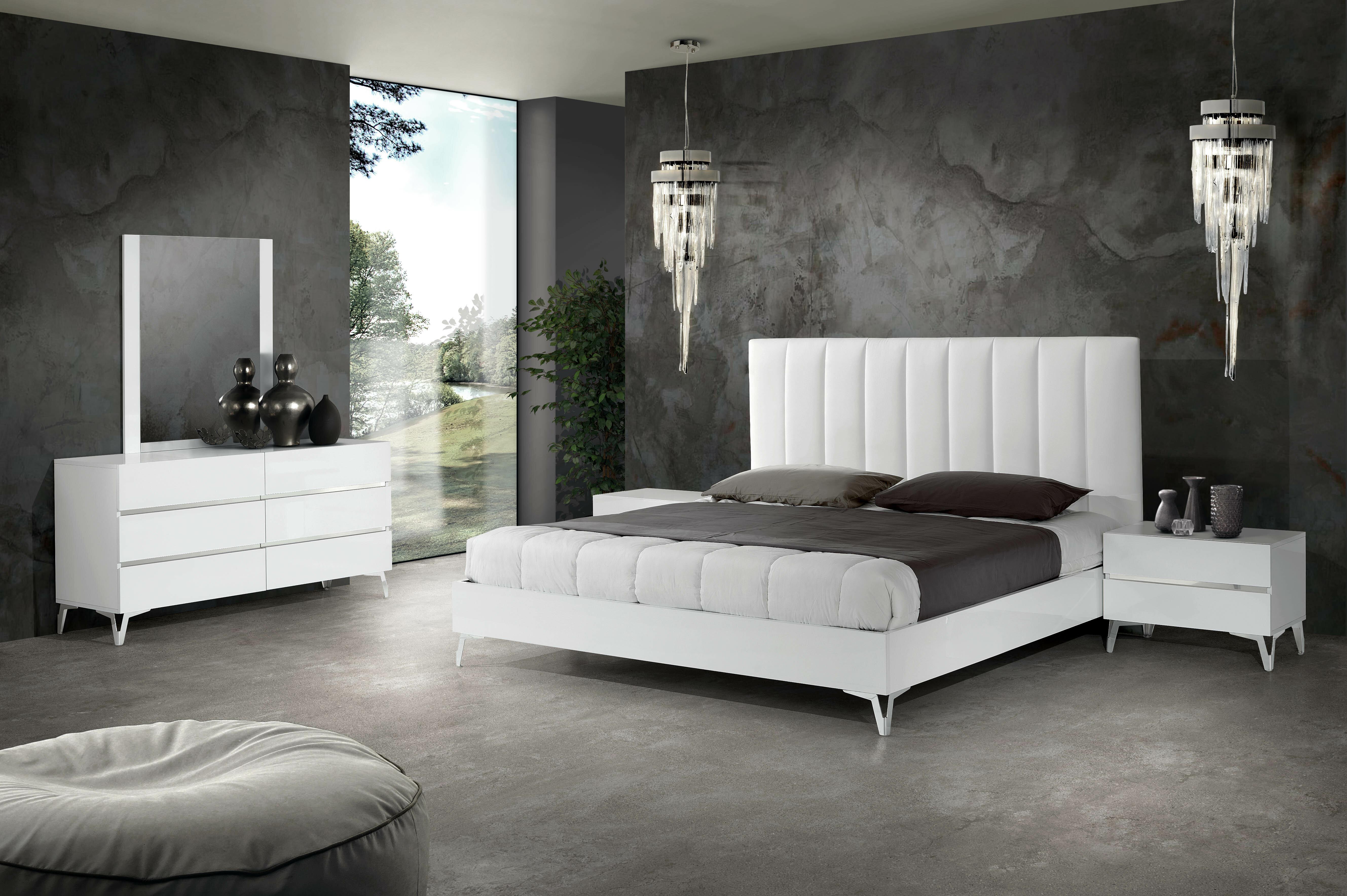 Kayna - Italian Platform 11 Piece Bedroom Set