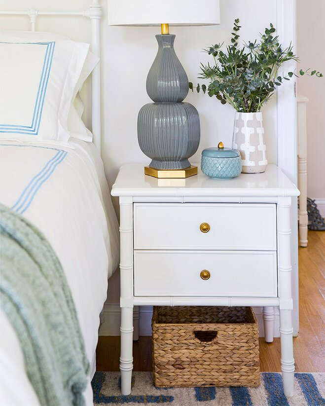 Small E Makeover A Fresh Relaxing Bedroom