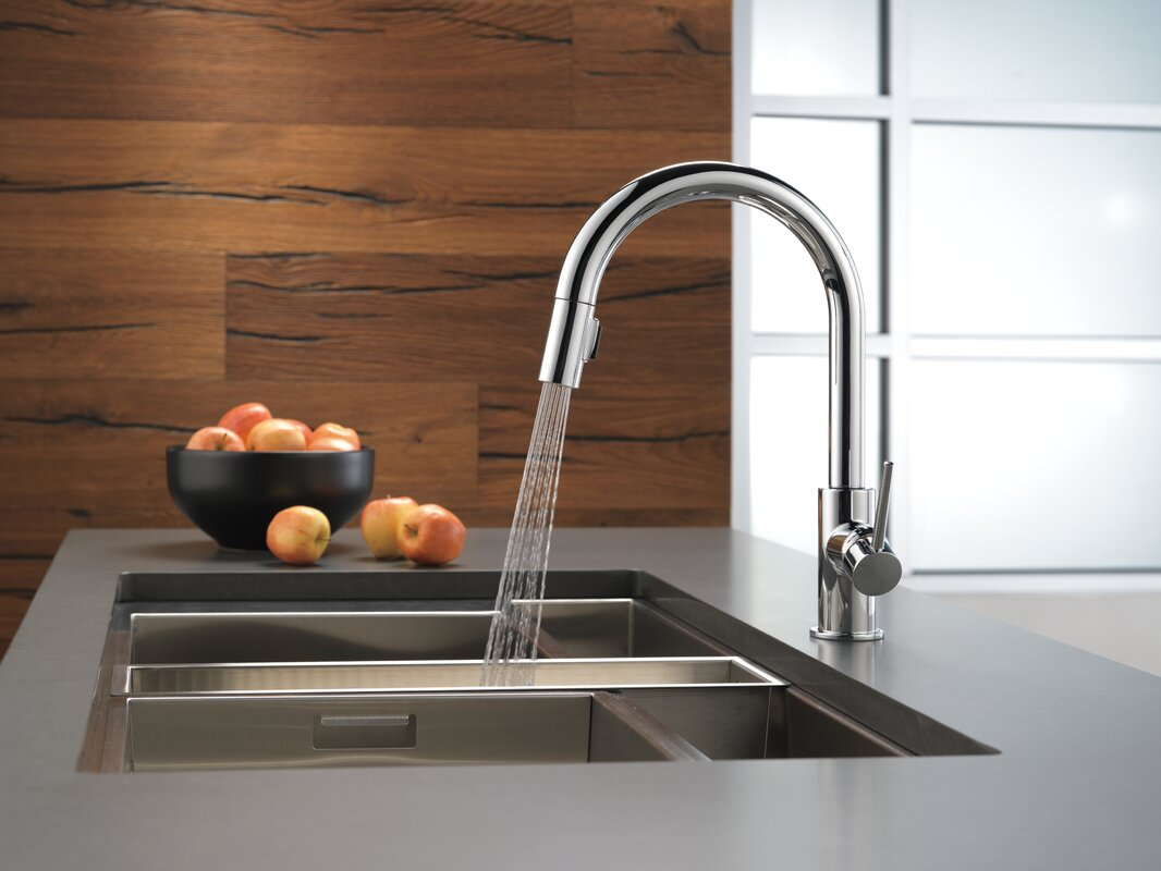Delta Trinsic Pull Down Single Handle Kitchen Faucet with MagnaTite® Docking and Diamond Seal Technology