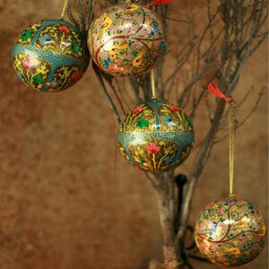 4 Piece Garden Fantasy Fair Trade Christmas Papier Mache Bird Ornament Set