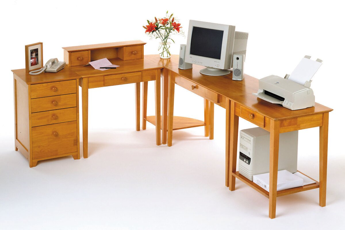 Hilderbrand Home Office Computer Desk With Hutch