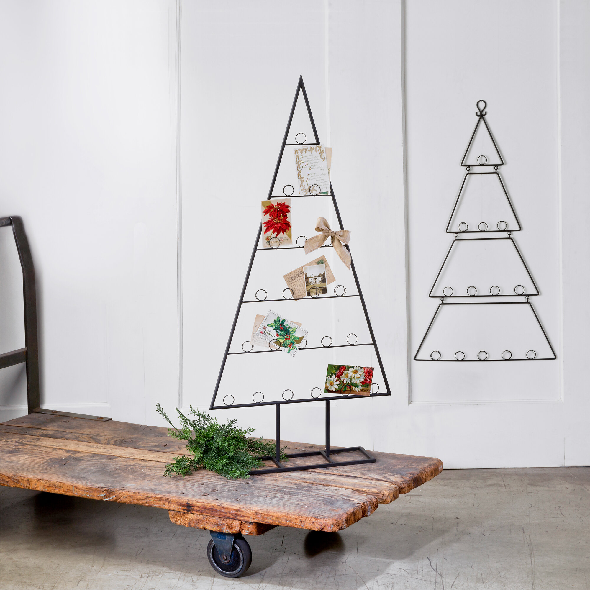 The Holiday Aisle 2 Piece Tabletop Tree Card Holder Set Reviews