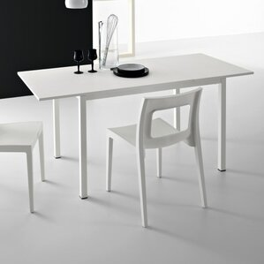 Chic Extendable Dining Table by YumanMod