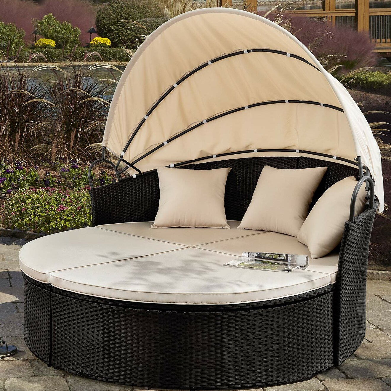 Groovy Leiston Round Patio Daybed With Cushions Download Free Architecture Designs Pushbritishbridgeorg