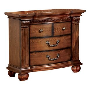 Greenhill 3 Drawer Bachelor's Chest