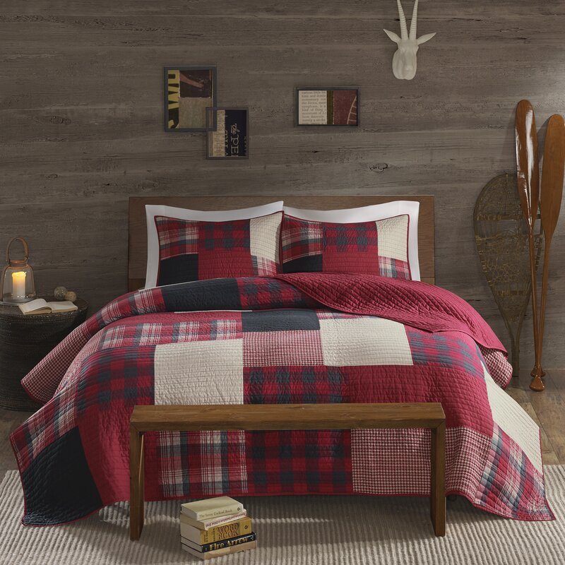 Winter Hills 3 Piece Reversible Quilt Set