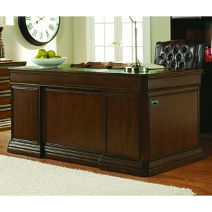 Hooker Furniture Cherry Cr..
