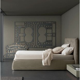 Impunto Upholstered Platform Bed with Tufted Headboard