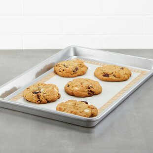 Non-Stick Bakeware Sheetpan with Baking Mat
