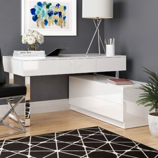 Wade Logan Claysville Modern Desk With Hutch