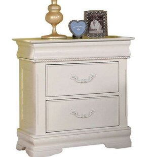 Xanthe Wooden 3 Drawer Nightstand by Alcott Hill