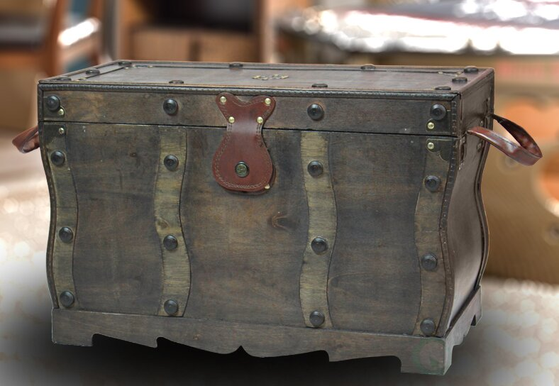 Bloomsbury Market Flynn Antique Style Distressed Wooden Pirate