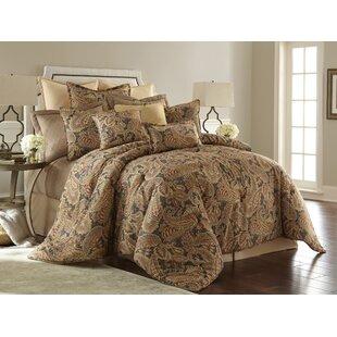 Wells Comforter Set