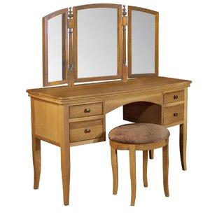 Review Dancy Dressing Table