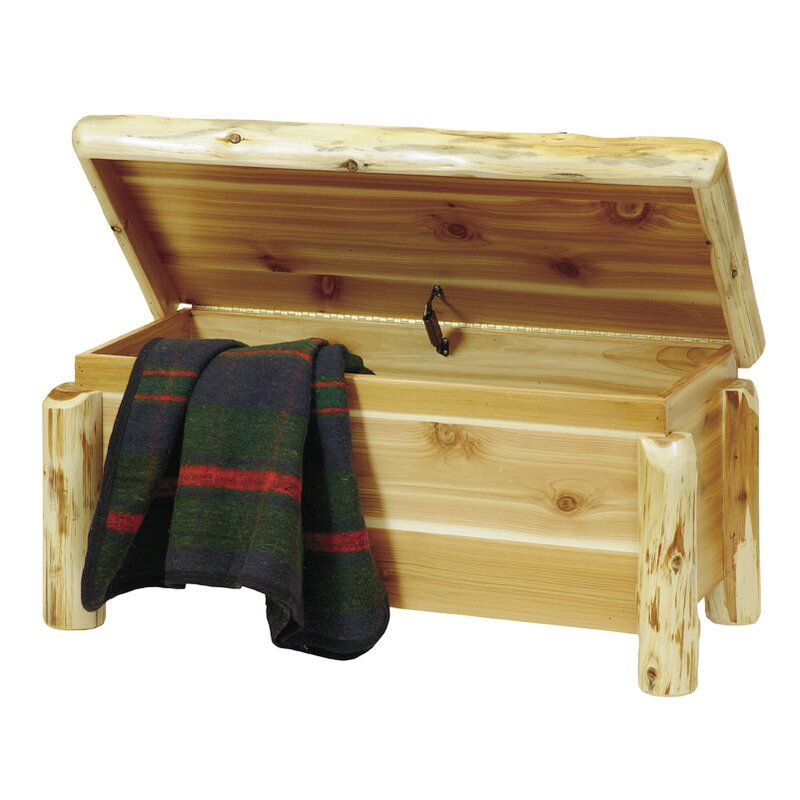 Superieur Traditional Cedar Log Blanket Chest