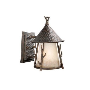 Affordable Price Pomonok 1-Light Outdoor Wall Lantern By Loon Peak
