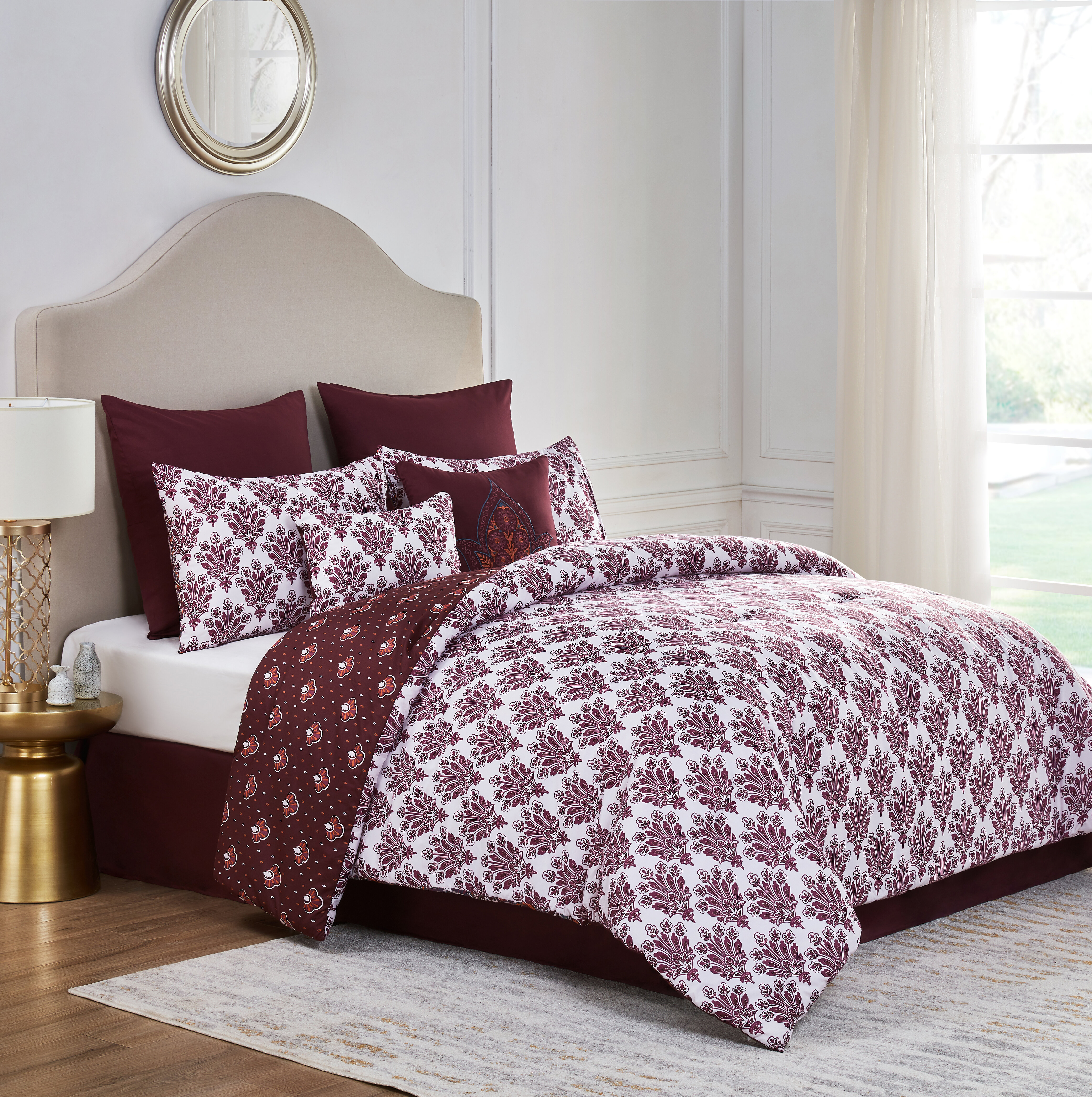 84ff4e1f020ad Charlton Home Lorna Reversible Comforter Set