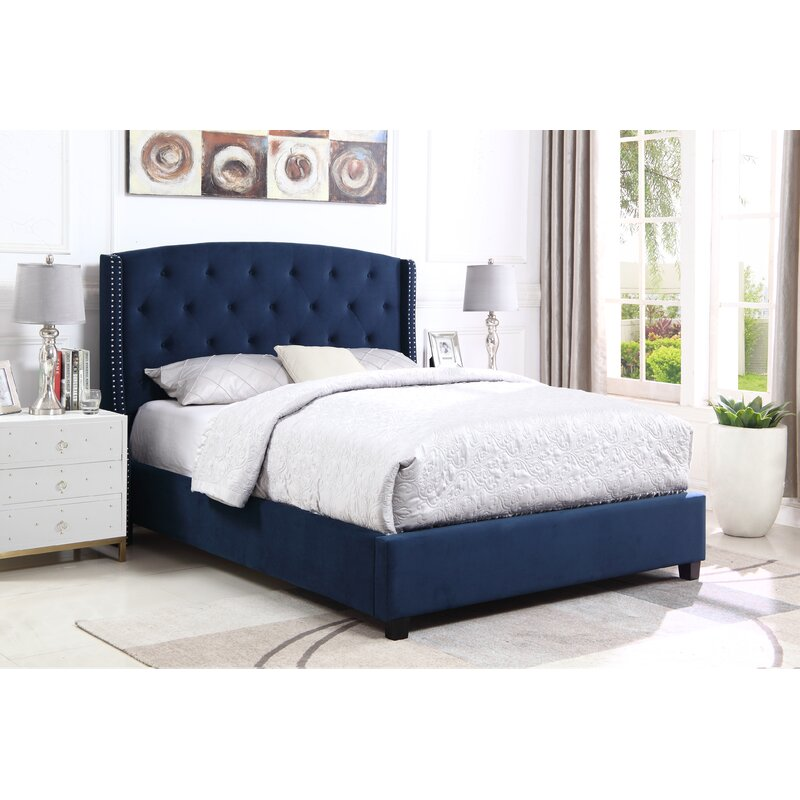 Croce Tufted Standard Bed