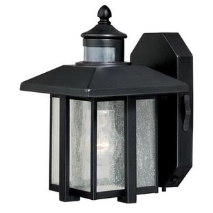 Best Price Engle 1-Light Outdoor Sconce By Breakwater Bay