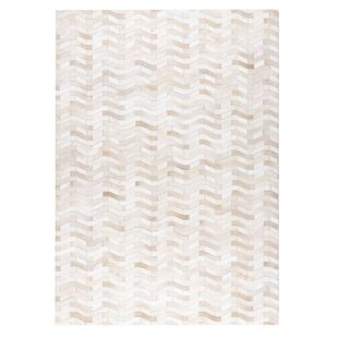 Algedi Hand woven White Area Rug ByM.A. Trading
