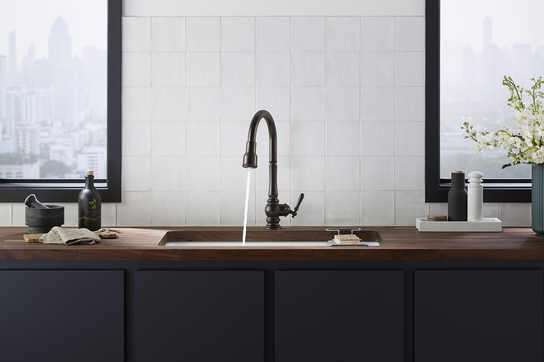 Artifacts Touchless Pull-Down Kitchen Sink Faucet