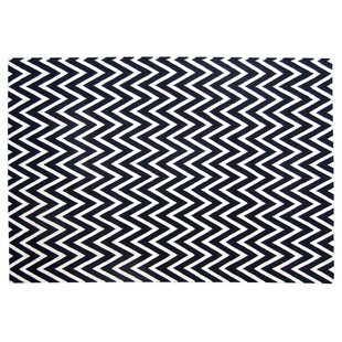 Hand-Woven Wool Black/White Area Rug ByExquisite Rugs